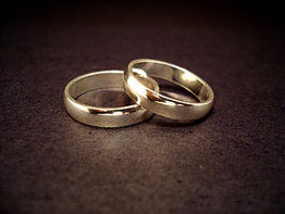 Ring exchange and vows elope ceremony